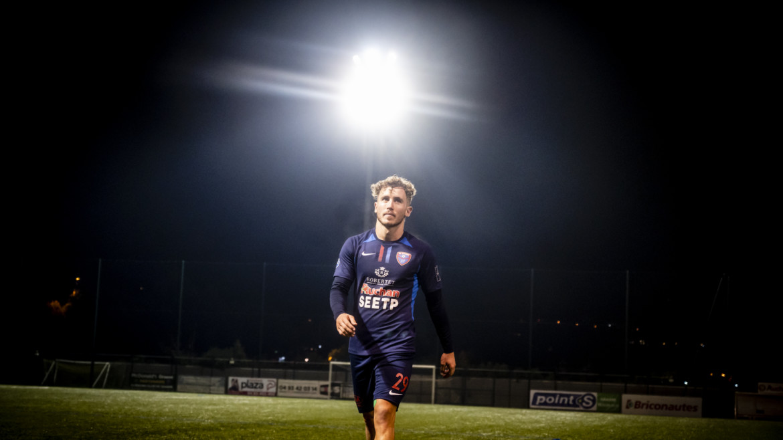N2 : Le Racing s'impose face au Nîmes Olympique (2-0) et prolonge sa série d'invincibilité